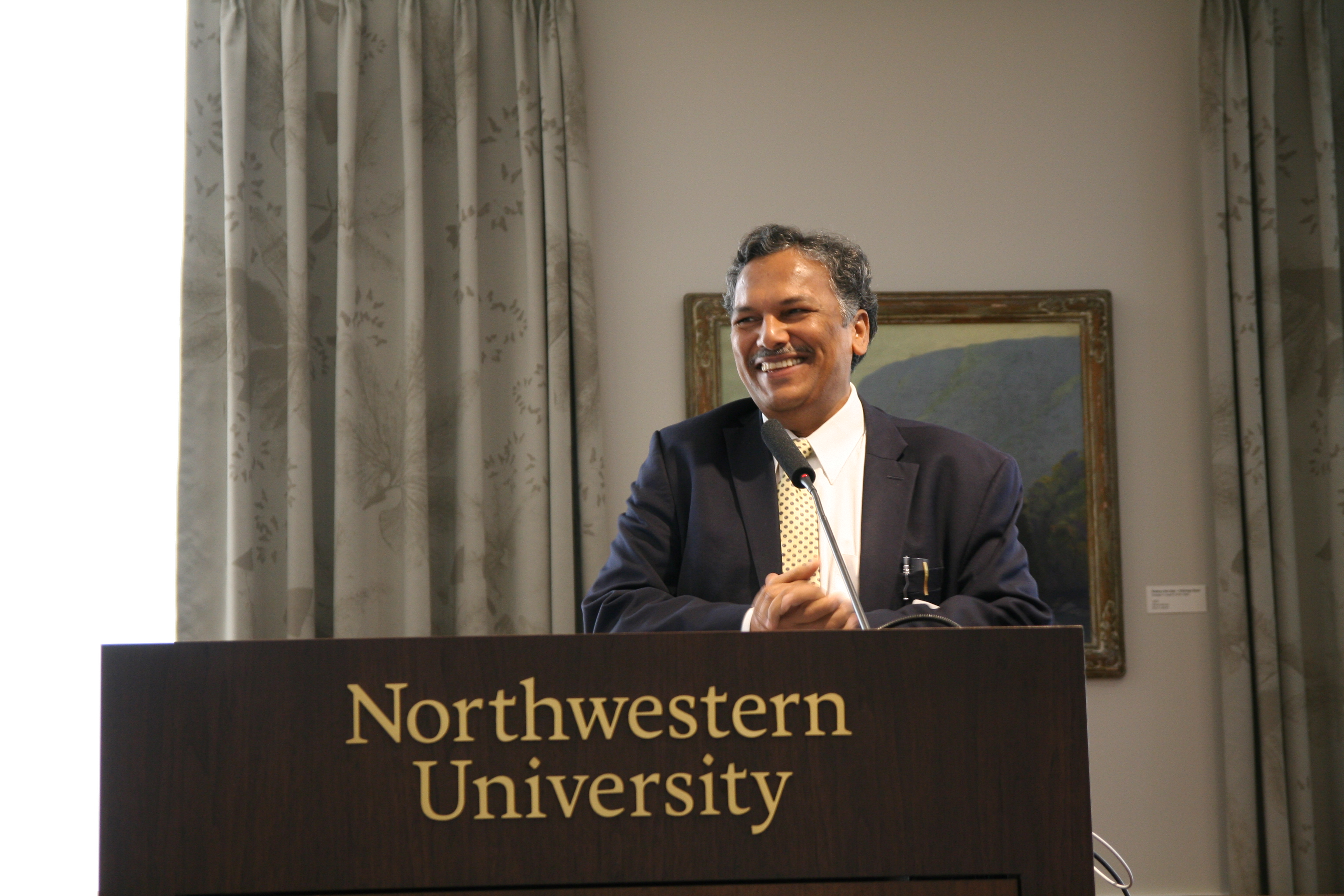 Prof. Dravid gives keynote speech at Colloquium Luncheon.