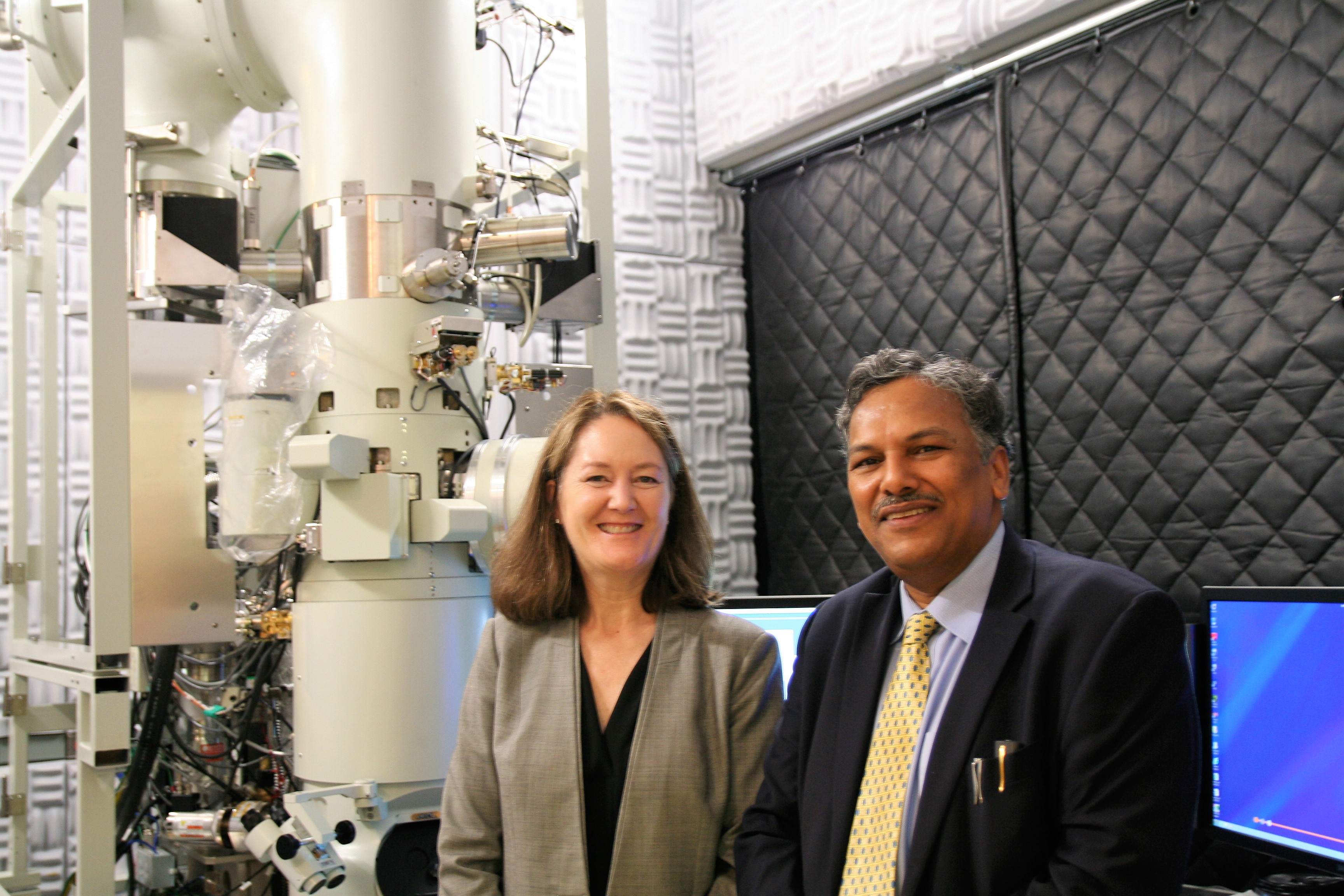 Prof. Dravid and Dr. Benson Tolle pose for photo.
